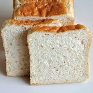 パングランプリ大阪最優秀賞「金ごま食パン」
