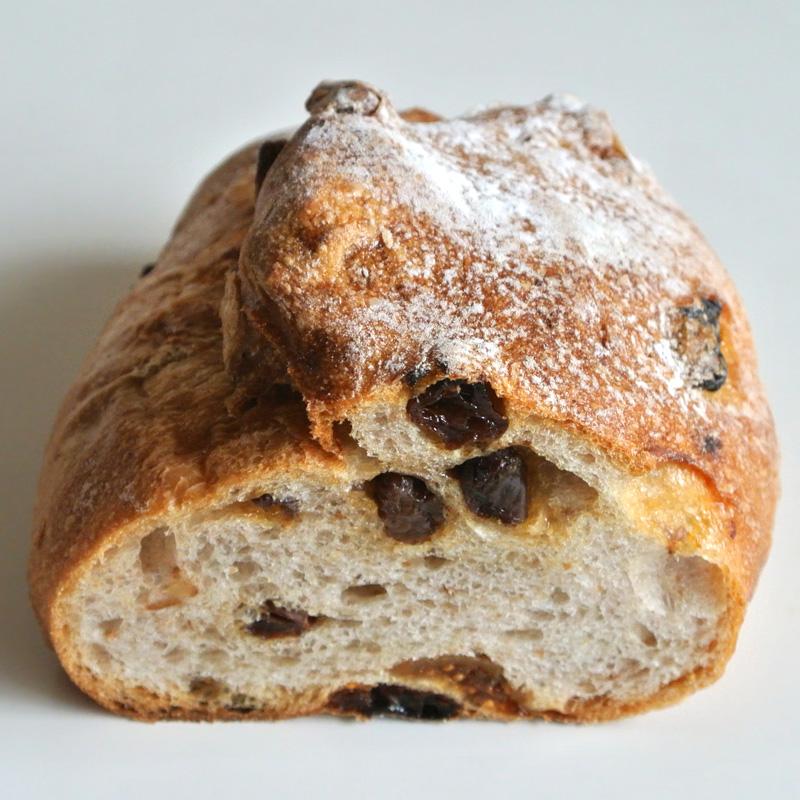 イチジクとクルミの自家製酵母パン